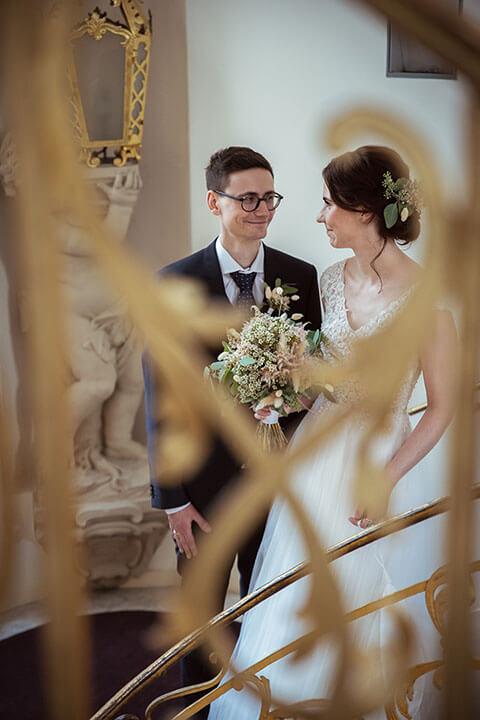 Brautpaarshoting im Treppenhaus