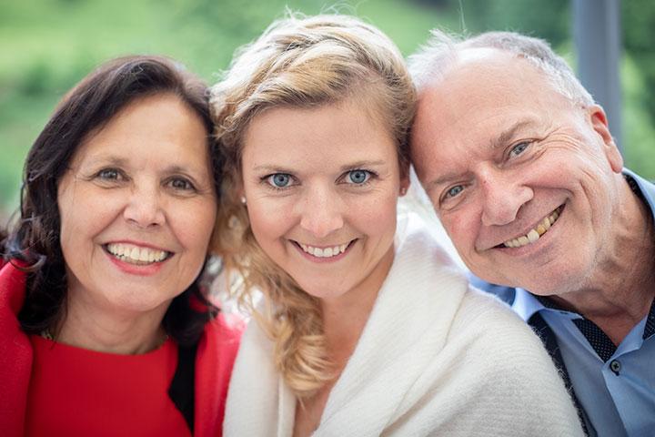 Familienbild bei Hochzeit