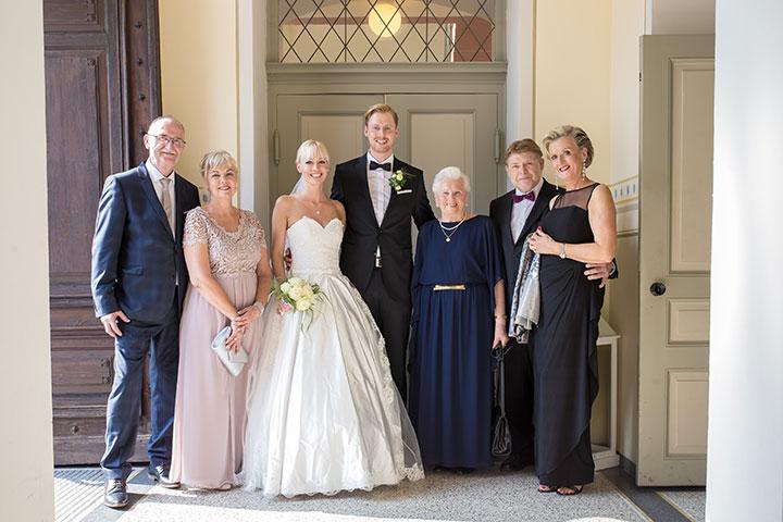 Gruppenfoto einer Hochzeit in Schwetzingen bei Mannheim
