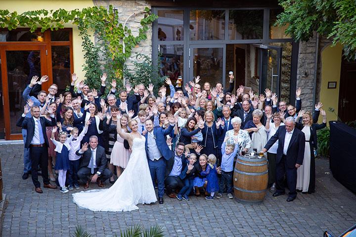 Gruppenfoto bei einer Hochzeit in Bad Dürkheim
