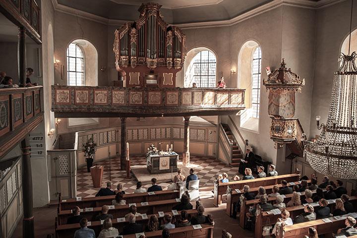 Hochzeitsbilder einer kirchlichen Trauung in Mutterstadt