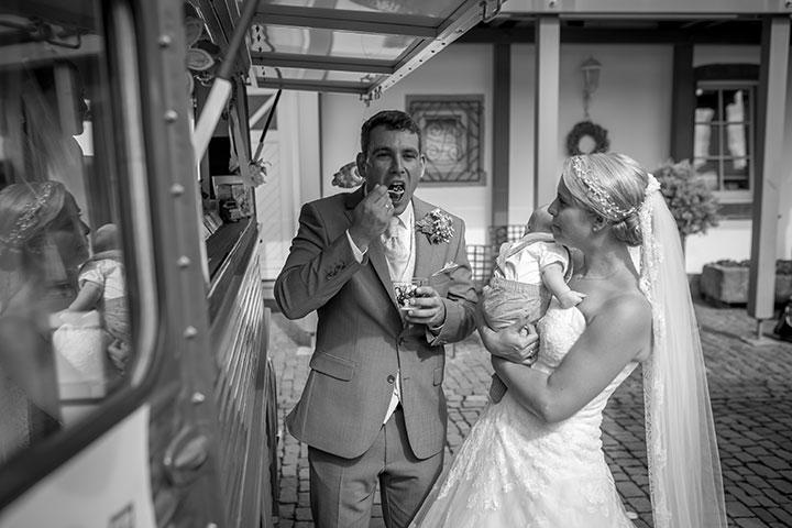 Lustiges Hochzeitsfoto des brautpaars von Pascal Dietrich aus Weinheim