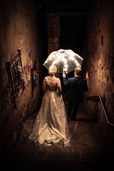 Kreatives Hochzeitsbild bei Nacht von Hochzeitsfotograf Pascal Dietrich